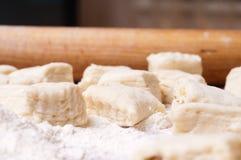 Pasta en un de madera fotografía de archivo