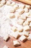 Pasta en un de madera imagen de archivo