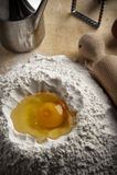 pasta för efterrättmjölspringbrunn Royaltyfria Foton