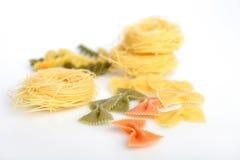 Pasta: farfalle e capellini Fotografie Stock Libere da Diritti