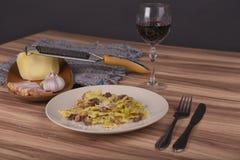 Pasta Farfalle med Carbonara sås Royaltyfria Foton