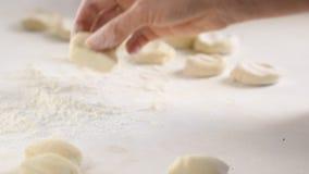 Pasta fresca pronta per cuocere stock footage