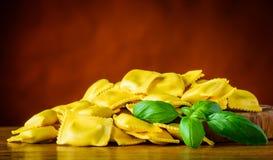 Pasta gialla dei ravioli Immagine Stock
