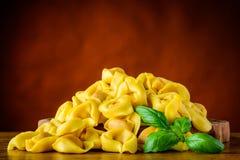 Pasta gialla dei tortellini Fotografie Stock Libere da Diritti