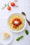 Pasta italiana in ciotola Immagini Stock Libere da Diritti