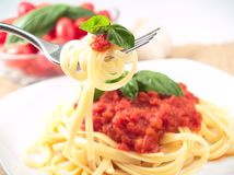Pasta italiana con la salsa di pomodori Fotografia Stock Libera da Diritti