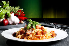 Pasta italiana con melanzana Immagini Stock