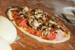 Pasta italiana fresca de la pizza Imagen de archivo