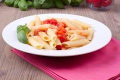 Pasta italiana tradizionale con i pomodori Fotografia Stock Libera da Diritti