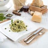 Pasta med den genovese Pestoallaen Fotografering för Bildbyråer