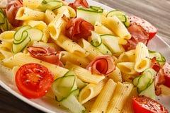 Pasta med kött och grönsaker Fotografering för Bildbyråer