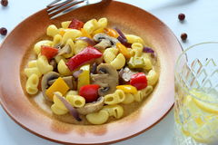 Pasta with mushrooms and bell peppers Royalty Free Stock Images