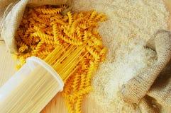 Pasta och ris royaltyfria foton