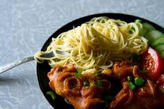 Pasta & pollo fotografie stock libere da diritti