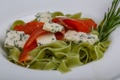 Pasta with salmon and blue cheese Royalty Free Stock Photography