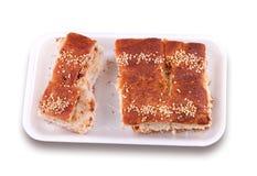 Pasta sfoglia con le cotenne grigliate della carne di maiale Fotografia Stock