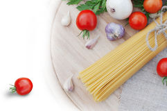 Pasta spaghetti and fresh tomatoes Stock Photography