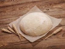 Pasta sulla tavola di legno Concetto di Pasqua Immagine Stock