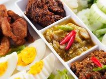 Pasta tailandesa do pimentão de três estilos (Nam Prik) - alimento tailandês popular Foto de Stock