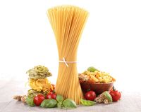 Pasta with tomato and basil Royalty Free Stock Photos