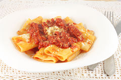 Pasta with tomato meat sauce Royalty Free Stock Photos