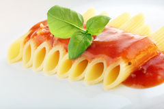 Pasta with tomato sauce and basil Royalty Free Stock Photography