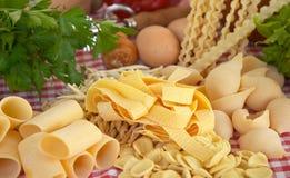 Pasta, verdure, uovo fotografia stock libera da diritti