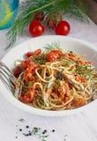 Pastadiskspagetti med det nya ansjovismaterielfotoet Arkivbilder