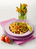 Pastas con la flor de los calabacines Fotografía de archivo libre de regalías