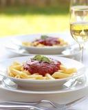 Pastas con la salsa de tomate Foto de archivo libre de regalías