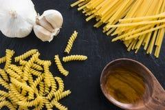 Pastas de cocinar mediterráneas de la comida italiana Foto de archivo libre de regalías