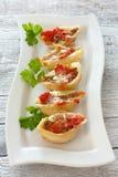 Pastas de Conchiglioni rellenas con el carne picado Foto de archivo