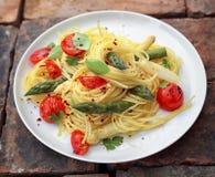Pastas de los espaguetis del espárrago Foto de archivo