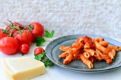 Pastas de Penne boloñés Fotografía de archivo libre de regalías