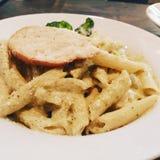 Pastas de Penne del pollo Fotos de archivo