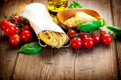 Pastas. Espaguetis hechos en casa italianos Fotografía de archivo