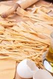 Pastas hechas en casa crudas del huevo Foto de archivo