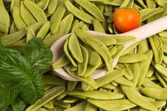 Pastas italianas con espinaca Fotografía de archivo libre de regalías