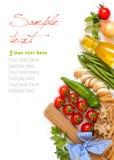 Pastas italianas con las verduras y las hierbas Foto de archivo