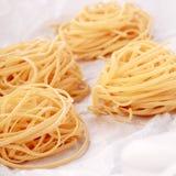 Pastas italianas hechas en casa frescas del huevo Fotografía de archivo
