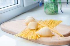 Pastas y espaguetis crudos Imagen de archivo