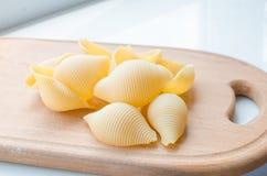 Pastas y espaguetis crudos Imagen de archivo libre de regalías