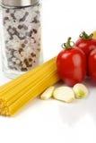 Pastas y tomates Fotografía de archivo libre de regalías