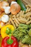 Pastas y verduras frescas secadas Imagen de archivo libre de regalías