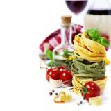 Pastas y vino italianos Fotografía de archivo libre de regalías