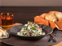 Pastasallad med grönsaker Fotografering för Bildbyråer