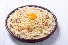 Pastaspagetti med bacon Royaltyfri Fotografi