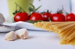 pastaspagettitomater Arkivfoton