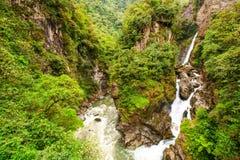 Pastaza flodvattenfall royaltyfri foto