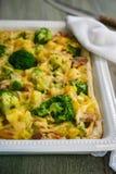 Pastei met aardappels, broccoli en bacon royalty-vrije stock afbeelding
